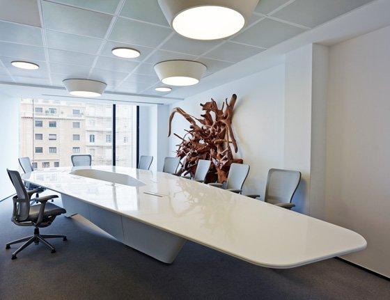 简约风格集团办公室设计:维也纳酒店控股公司