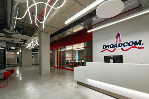 半导体公司工业风办公室设计:以色列Broadcom