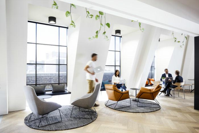 互联网公司总部黑白极简风格办公室设计:伦敦Slack