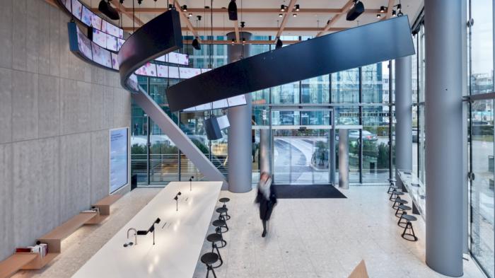 高科技数据公司IBM 的简约风格办公室设计分享