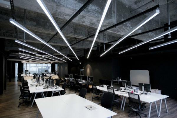 极简黑白风格的办公室设计:互联网公司9GAG