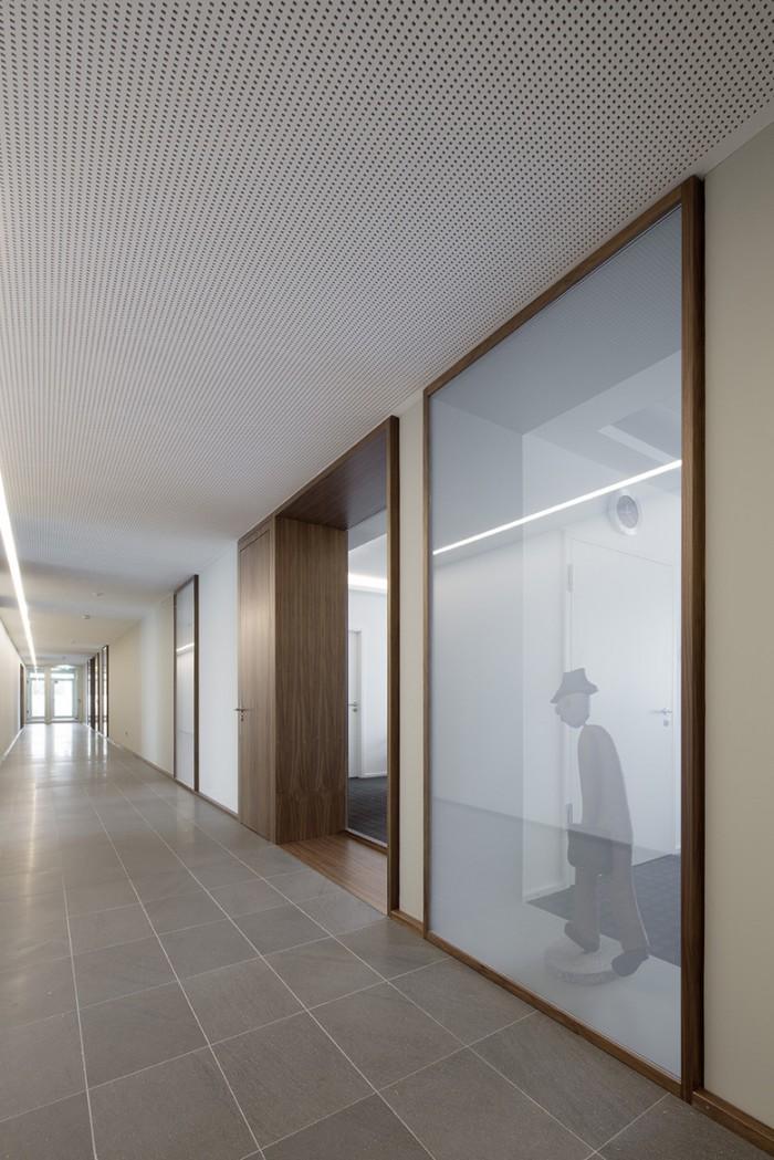 投融资公司总部办公室空间设计效果图