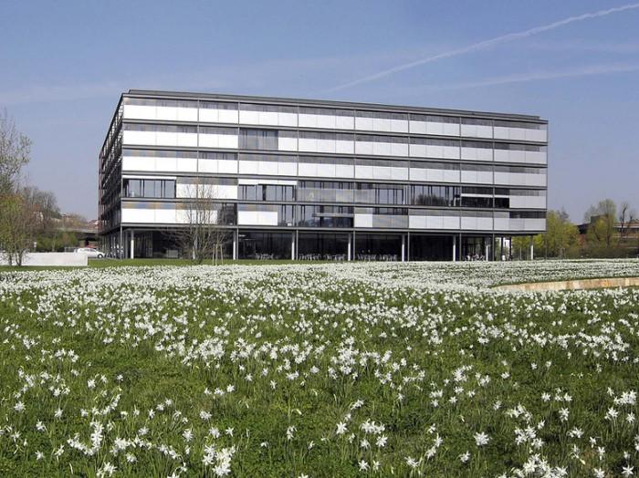 互联网产业园科技企业总部办公室设计图片