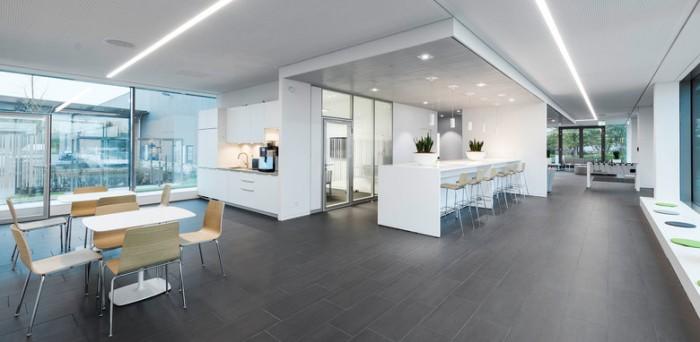 塑胶原材料公司集团办公室设计:法兰克福Rehau