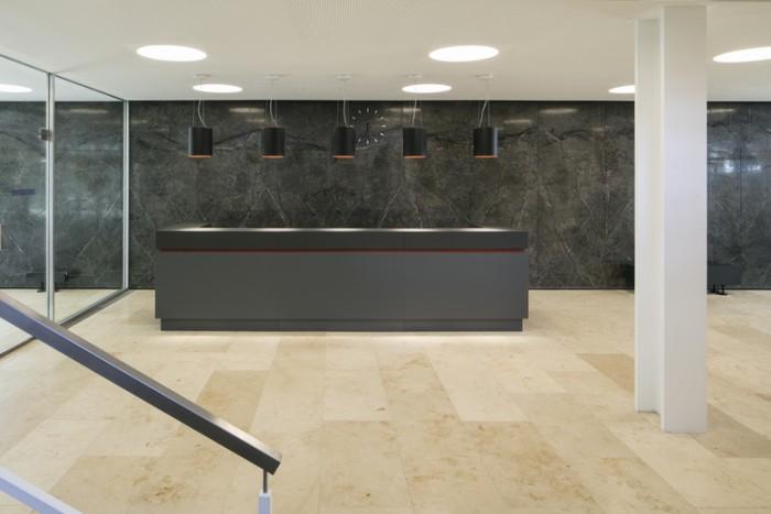 现代国际风格总部办公室设计:钢结构公司