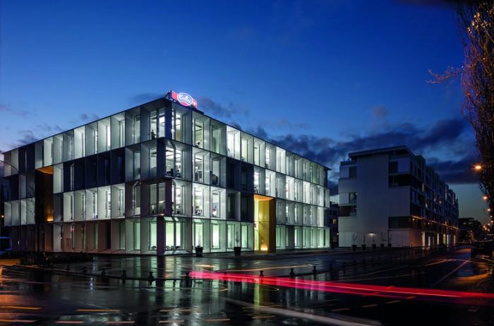 律师事务所总部办公室设计:Emmi Luzern