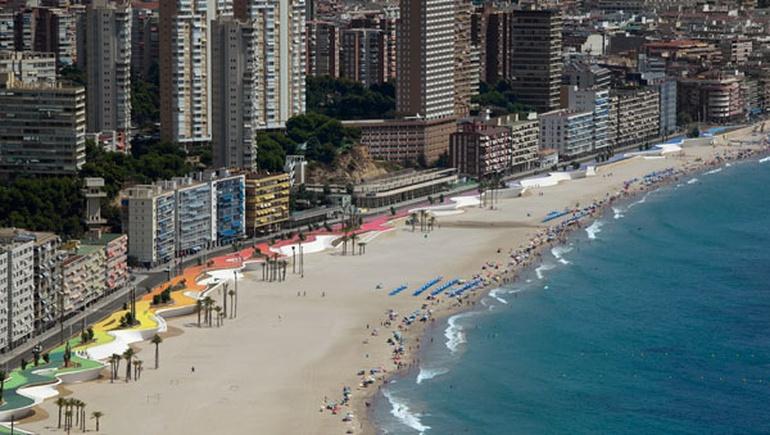 最具特色的海岸:设计师将海滨大道改造成步行长廊