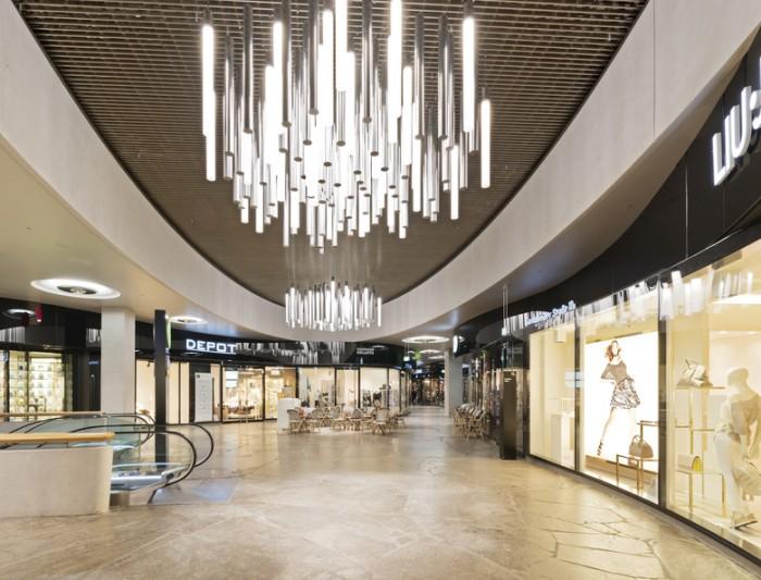 购物商场环绕的办公室设计案例分享