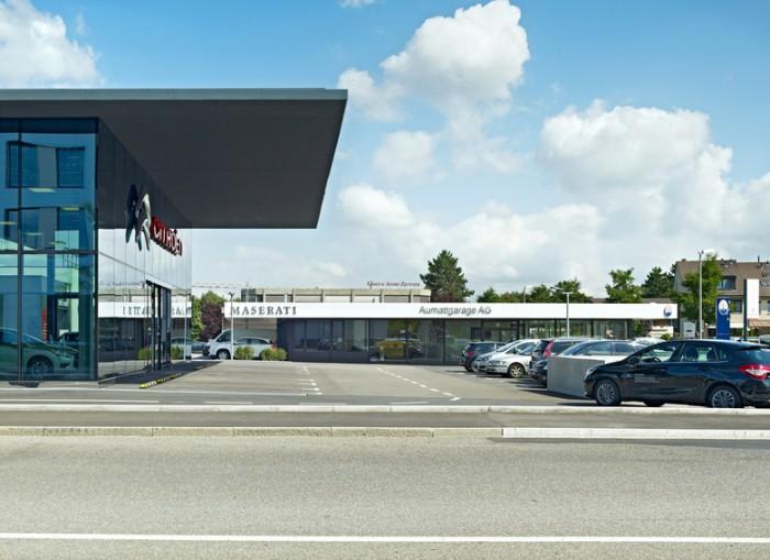 玛莎拉蒂4S店展厅设计效果图
