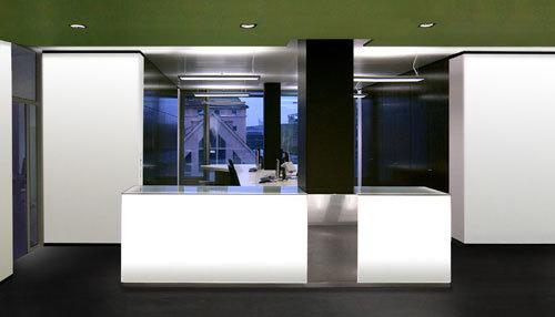 黑白极简现代风格办公室前台效果图图片