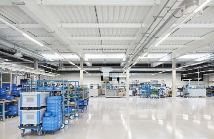 北欧风格办公楼设计:KNF先进制造设备公司